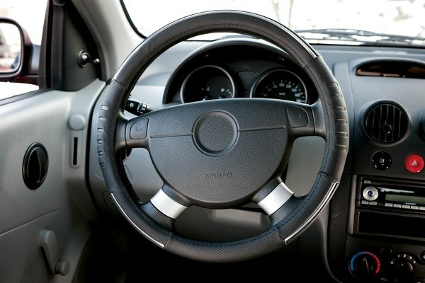 Steering wheel cover Steering wheel cover Tuning