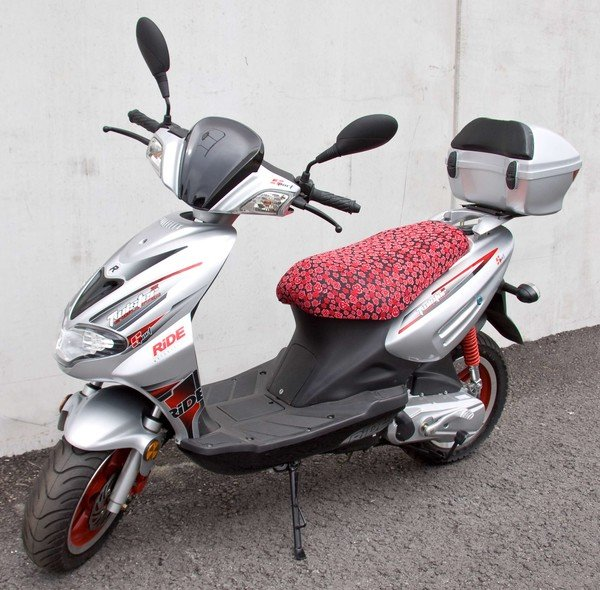 Moped Seat cover Sculls and Flowers