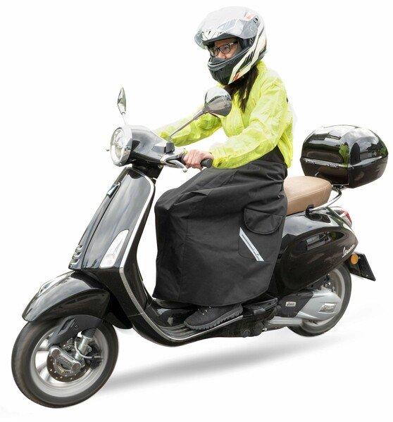Protection contre l'humidité pour les conducteurs de scooters et de cyclomoteurs universels