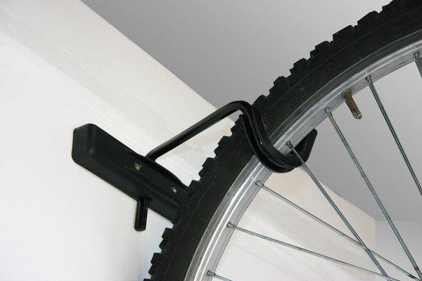 Crochet mural pour bicyclette